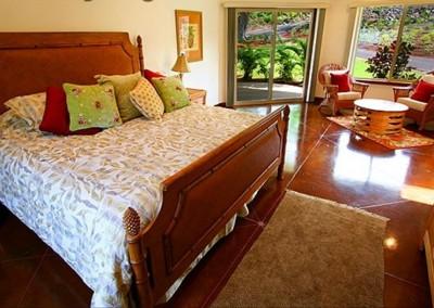 1 of 4 Villa-Quatro suites, king bed & single bed, private bath,